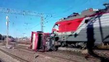 Rusya'da yük treni otomobille çarpıştı