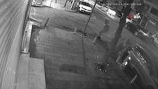 İstanbul'da üç kişiye yoldan geçen arabadan silahlı saldırı