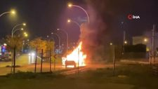 Bursa'da seyir halindeki araç alev alev yandı