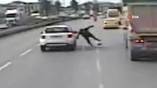 Şile otobanında yola atlayan yayaya araba çarptı