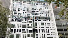 İngiltere'de iklim aktivistleri İçişleri Bakanlığı binasına tırmandı