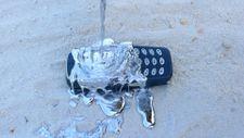 Nokia 3310'a erimiş kurşun testi