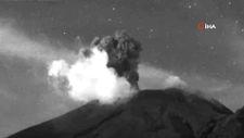 Popocatepetl Yanardağı kül ve duman püskürtmeye devam ediyor