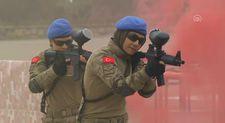 Komando okulunu bitiren bin 37 uzman erbaş yemin etti