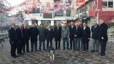 Kurt köpeği MHP'lilerin önünde uludu