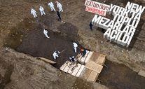 New York'ta koronadan ölenler için toplu mezar