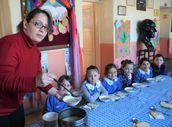 Amasya'da öğrencilerine her sabah çorba pişiren öğretmen