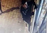 Kadıköy'de 3 hırsız örümcek adam gibi tırmandı