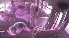Otobüs kazasında yolcuların yaşadıkları kamerada