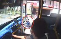 Otobüs sürücüsü engelli çocuk için güzergahı değiştirdi