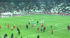 Özür dilemek isteyen Beşiktaşlı futbolcular ıslıklandı