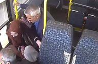 Pendik'te ani fren yapan minibüste yaşlı kadın düştü
