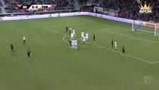 Rooney'den enfes frikik golü