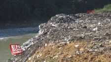 Rize'de dere kenarına çöp dökülmesine tepki