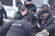 Bulgar polisinin biber gazıyla imtihanı