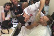 CHP'li Aytuğ Atıcı OHAL sakallarını kestirdi