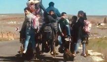 Şanlıurfa'da öğrencilerin tehlikeli yolculuğu