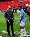Şampiyonluk kutlamalarında taktik veren Guardiola