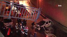Zeytinburnu'nda trafik kazası: Alt geçite uçtu