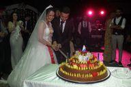 Düğünde çiğ köfte kestiler