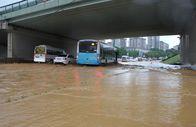 Sel nedeniyle Göztepe kavşağındaki araçlar mahsur kaldı