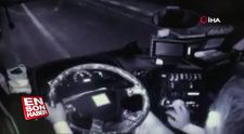 Otomobil ile çarpışan minibüsün sürücüsü koltuktan fırladı