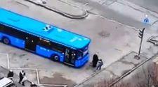 Rusya'da otobüsün ezdiği yaşlı adam öldü