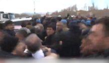 Ankara'daki şehit cenazesinde Levent Gök'e saldırı anı