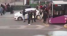 Yanlış park eden sürücünün hatasını vatandaş düzeltti