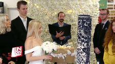 26 yaşında halıyla evlendi