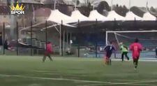 Amatör maçta mükemmel vole golü