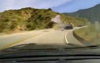 ABD'de virajı alamayan otomobil motosiklete çarptı