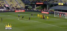 Wayne Rooney'den frikik golü