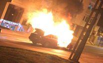 Sultanbeyli'de seyir halindeki otomobilde yangın