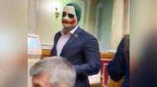 Ukrayna'da milletvekili, meclise Joker maskesiyle girdi