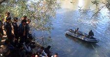 Göçmenleri zorla Türkiye sınırına bırakan Yunan askerleri