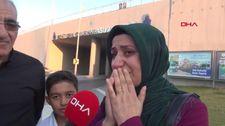 Şehit oğlunun ismini görünce gözyaşlarını tutamadı