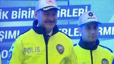 Süleyman Soylu trafik polislerinin yeni kıyafetini giydi