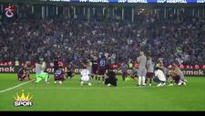 Trabzonspor galibiyeti kolbastı oynayarak kutladı