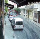 Taksim'de kadınları yerde sürükleyen zanlılar yakalandı