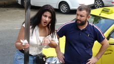 Taksim'de kadınların kavgası: Kafasında şişe kırdı