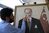 Suriyeli sanatçı yaptı: Mozaikle Atatürk portresi