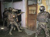 Adana'da eş zamanlı uyuşturucu operasyonu