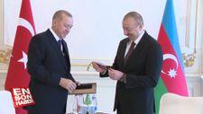 Cumhurbaşkanı Erdoğan, Aliyev'e tespih hediye etti