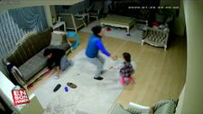 Elazığ'da evde kaydedilen deprem anı