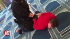 İngiltere'de camide bıçaklı saldırı