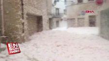 İspanya'da şehri deniz köpüğü bastı
