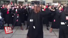 Fransa'da avukatlardan Haka danslı eylem