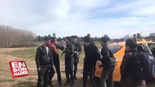 Taksicilerle Edirne'ye giden göçmenler arasında kavga