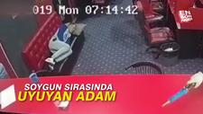 Soygun sırasında uyuyan adam